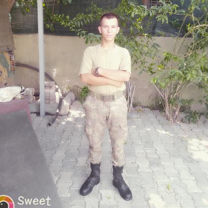 O şimdi asker