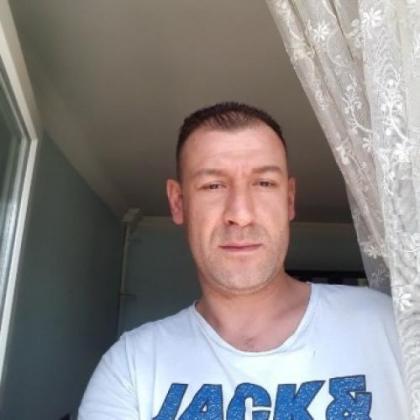 Evlilik niyetinde olan Ankara'dan bayan arıyorum